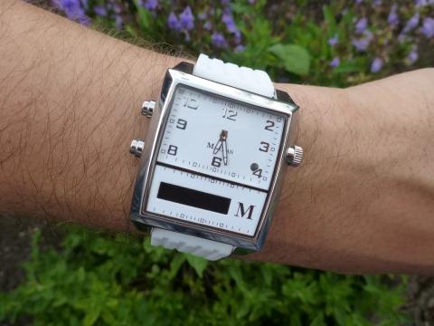 Martian G2G smart watch