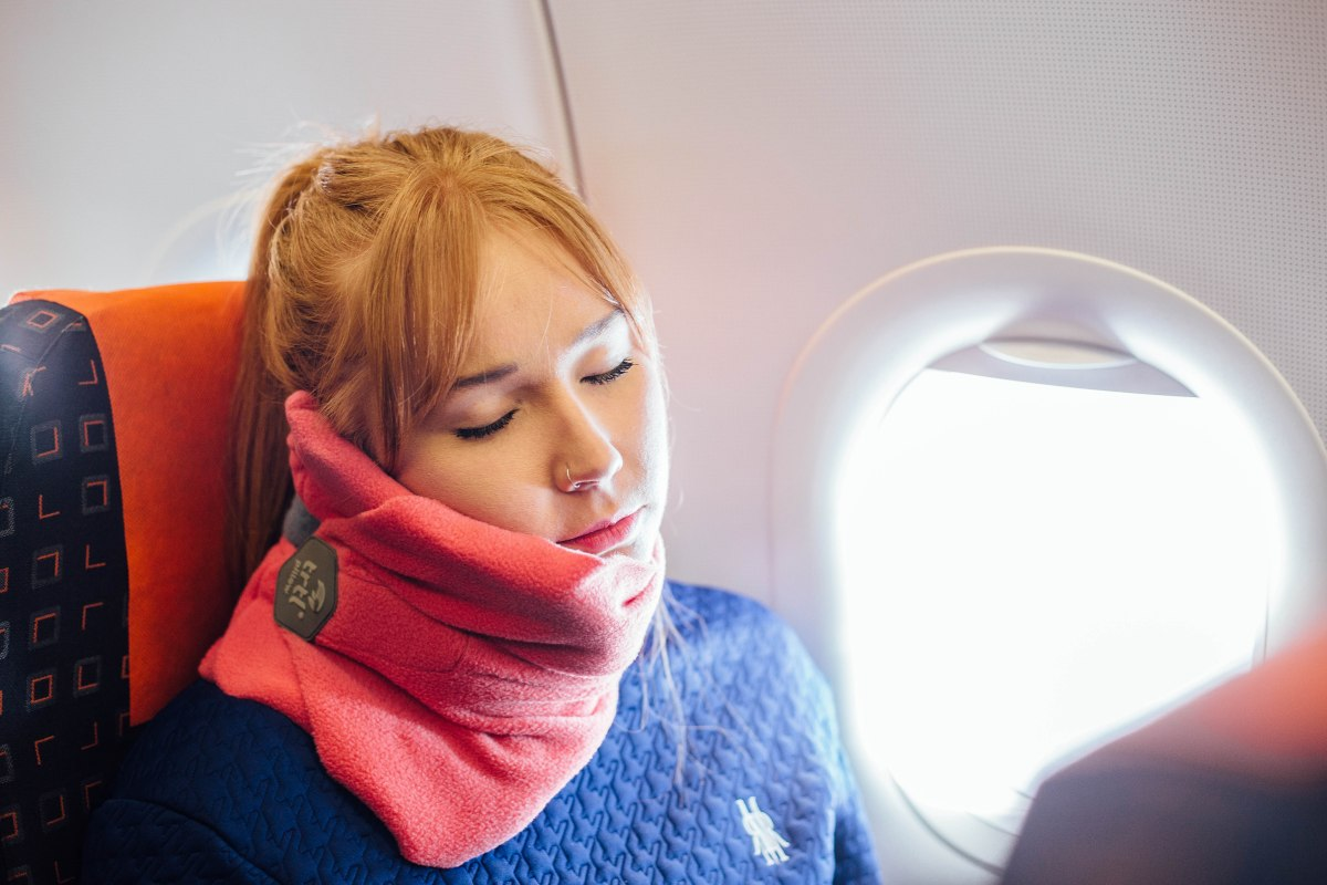 Reviewed Trtl Travel Pillow Travgear Com
